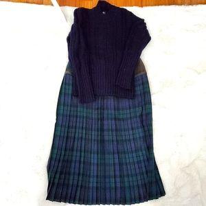 4/$30 Vintage Black Watch Tartan pleated skirt sz8